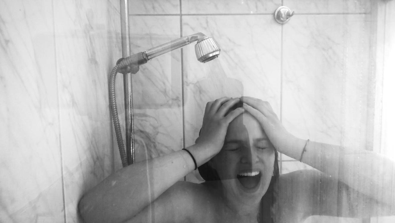 Gefangene Dusche Lena Paul